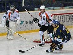 V první hokejové lize porazil celek Lvů Most až po samostatných nájezdech.