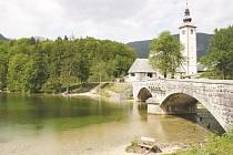 Bohinjské jezero je vstupní branou do Triglavského parku.