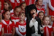 Slavný muzikál Karla Svobody zpívaly děti z chlumeckého sboru Koťata.
