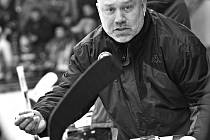 Trenér hokejistů Slovanu Miroslav Mach.