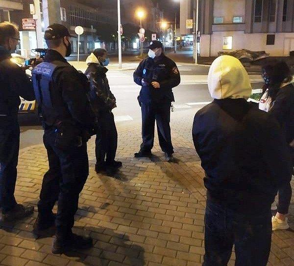 Kontroly ústeckých strážníků po půlnoci ve středu 28. října