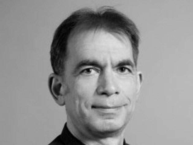 Dirigent Národního divadla Praha Richard Hein.