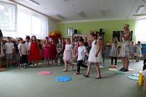 V mateřince v Doběticích pasovali děti na předškoláky.