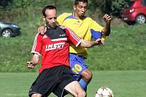 Fotbalisté Brné (vlevo Prosek) ovládli podzimní část 1.A třídy.