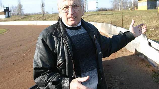 Předseda SC Chabařovice Jaroslav Zobal se obává o osud plochodrážního stadionu Speedwayclub na který si nyní dělá nárok vedení města Chabařovic na Ústecku. Do sporu se proto vloží soud