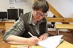 Stanislava Krajíčková v úterý odpoledne v severočeské vědecké knihovně v Ústí představila svou první a hned úspěšnou knížku Nabu, Nelsí a škola pro superpsy.
