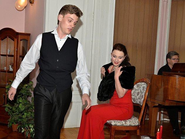 Talentovaný tenor Daniel Matoušek slavil v Trmicích na zámku