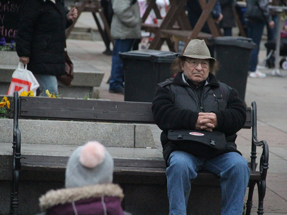 Lidické náměstí bude patřit Ústeckým Vánocům až do Štědrého dne.