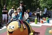 Nové dětské hřiště přišlo zoologickou zahradu na 6,2 milionu korun. Peníze dostala od města. Podobně dostala 1,2 milionu na tulení bazén nebo 2 miliony na projekt nového slonince.