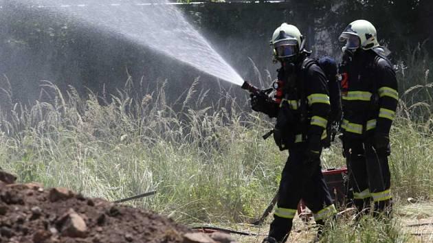 Zákrok hasičů v Krásném Březně.