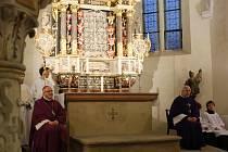 Mše svatá v kostele sv. Floriána.
