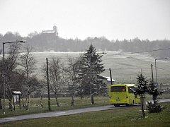 Fojtovice a Cínovec zasypal téměř květnový sníh.