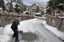 Páteční sněhová nadílka překvapila Ústí