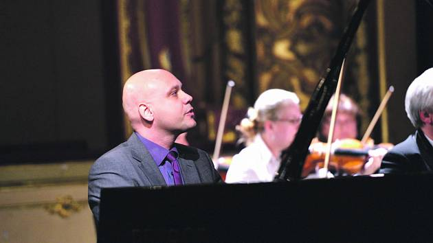 Virtuóz Mašek hrál na zahájení dětské klavírní soutěže Pianoforte 2012 v Ústí.