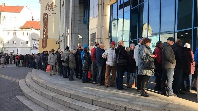 Příležitostné dvacetikoruny a stokoruna přilákaly davy lidí do Ústí.