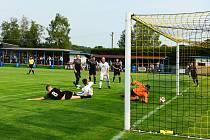 Fotbalisté Brné (v černém) prohráli ve Vilémově 1:6.