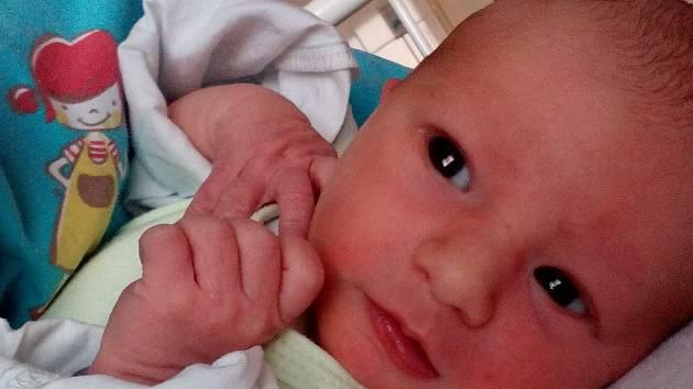 Matyáš Stach se narodil Markétě Smejkalové v ústecké porodnici 6. 8. 2017 ve 13:50. Měřil 45 cm a vážil 2,67 kg.