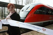 Nové spojení Drážďan s Ústím a Litoměřicemi bylo zahájeno jednotkou Desiro v sobotu 27. března 2010.