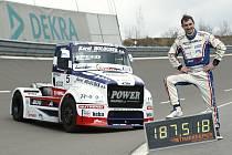 David Vršecký s Buggyrou dokázal překonat hned tři světové rychlostní truckové rekordy - na 100 km, 100 mil a hodinovku.