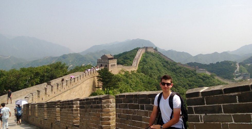 Jan Skočdopole z Ústí nad Labem na Čínské zdi, v části zvané Badaling, asi 60 km severozápadně od Pekingu.