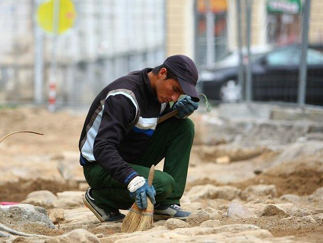 Archeologové u Trmic nalezli šest sídlištních objektů a část žlabu se stopami kůlových jam. Ilustrační foto.