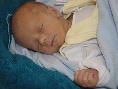 Tomáš Vaněček se narodil v ústecké porodnici 6.3.2015 (15.15) Monice Vaněčkové. Měřil 48 cm, vážil 2,94 kg.