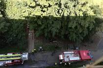 Požár v bytě v Ústí nad Labem. Začalo hořet jídlo na sporáku.