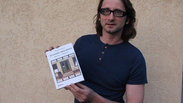 Martin Krsek je autorem knížky Neznámí hrdinové mluvili i německy