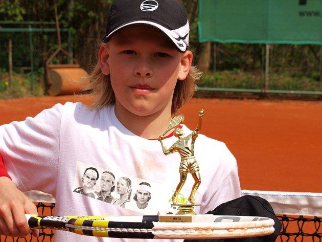 Mladí tenisté z celé republiky přijeli na antukové dvorce do Ústí.