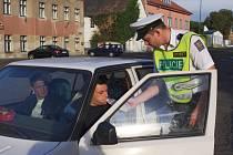 Dopravní policisté se zaměřili na používání pásů při jízdě, autosedaček a zajištění nákladů.