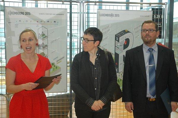 Velvyslankyně Lucemburského velkovévodství J. E. Michéle Pranchère-Tomassini vpondělí ve Vědecké knihovně ústecké univerzity slavnostně zahájila Lucemburské dny.