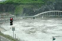 Povodně v Ústí nad Labem - v neděli 2. června 2013 mělo Labe hladinu přes 6 metrů - III. povodňový stupeň.