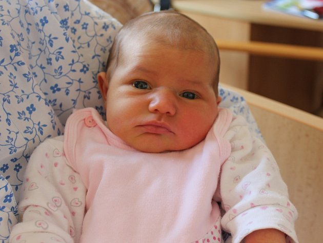 Emma Mottlová se narodila 10.9. (17.02) Daniele Rehnové. Měřila 49 cm, vážila 3,32 kg.