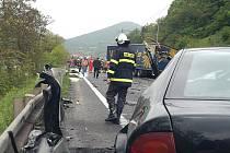 Dopravní nehoda mezi Vaňovem a Dolními Zálezly.