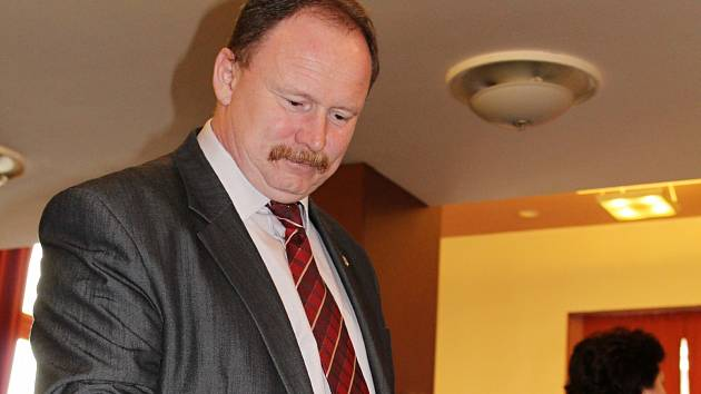 Delegáti KSČM zvolili lídra krajské kandidátky. Je jím starosta Lovečkovic Radek Černý.