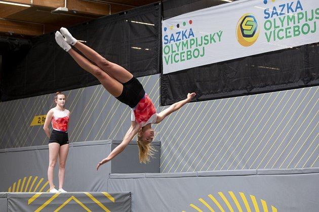 Sazka olympijský víceboj - rozdělení jednoho milionu korun 35školám vpodobě poukazu na sportovní vybavení