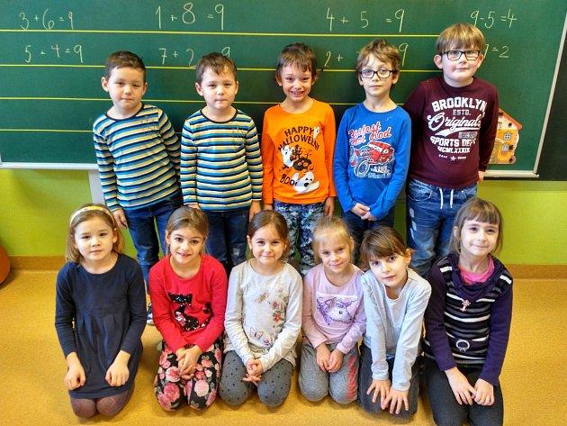 První třída Základní školy Ludkovice.