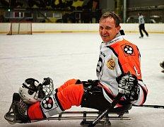 Zdravý sledge hokejista Pavel Julina válí již osmnáct let