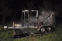 Požár přívěsných vozíků v Bezměrově