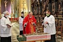 Velikonoční bohoslužba ve velehradské bazilice v roce 2020