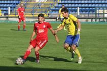 Fotbalisté Zlína B (žluté dresy) dál čekají na první venkovní výhru.