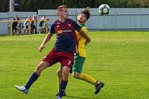 Fotbalisté Štípy (tmavé dresy) zvítězili na hřišti Hvozdné 1:0 na penalty.