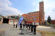Poklepání základního kamene dostavby a rekonstrukce hasičské stanice ve Zlíně.