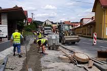 Obec Jasenná dokončuje výstavbu chodníků.