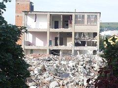 V Otrokovicích se už bourá. V tamní lokalitě zvané Chludovka by mělo v roce 2013 vyrůst nové obchodní centrum