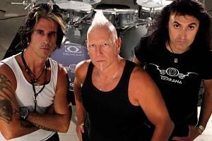 TERRANA. Nová kapela bubeníka Mike Terrany odehraje v České republice celkem šest koncertů.