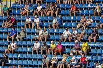 Příští ligový duel fotbalistů Zlína s Brnem může sledovat až tři tisíce diváků.