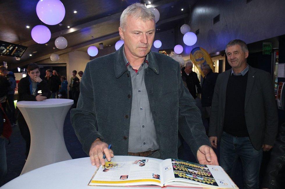 Bývalý stoper Fastavu Petr Klhůfek vede starou gardu Zlína.