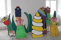Šedesátku kostýmů ze známých pohádek si mohou návštěvníci napajedelského zámku prohlédnout až do konce března