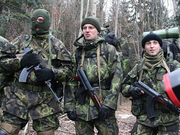 Vojenští záložáci ze zlínské základny mají 26. – 28. února 2010 vojenské cvičení ve Vizovických vrších.